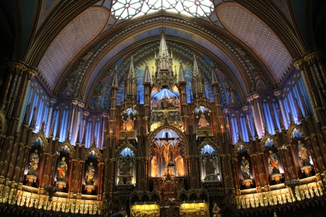I didn't see all the sights, but I did go visit my favourite church, the Notre-Dame Basilica.